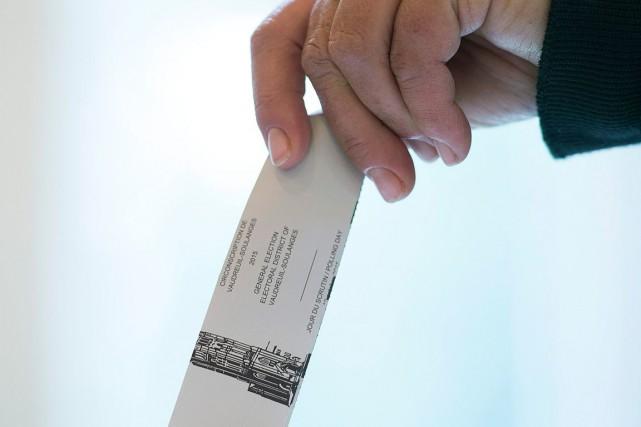 Un référendum sur la réforme du mode de scrutin coûterait 300 millions $, selon... (Archives, La Presse canadienne)