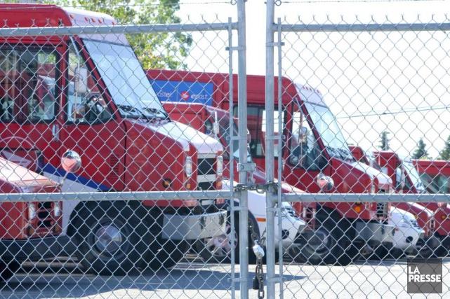 Les activités de Postes Canada pourraient être paralysées... (PHOTO ALAIN ROBERGE, ARCHIVES LA PRESSE)