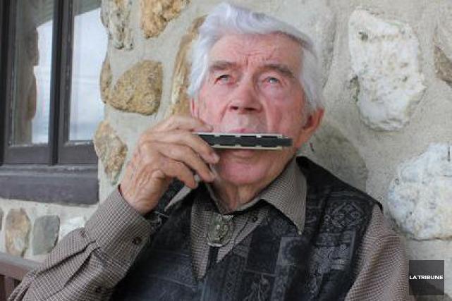 Le folkloriste Jean-Paul Guimond est une référence dans... (La Tribune, Yvan Provencher)