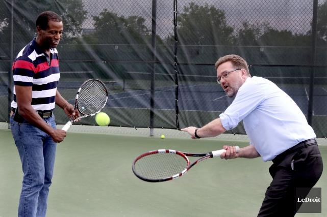 Le tennis prend de plus en plus de... (Patrick Woodbury, LeDroit)