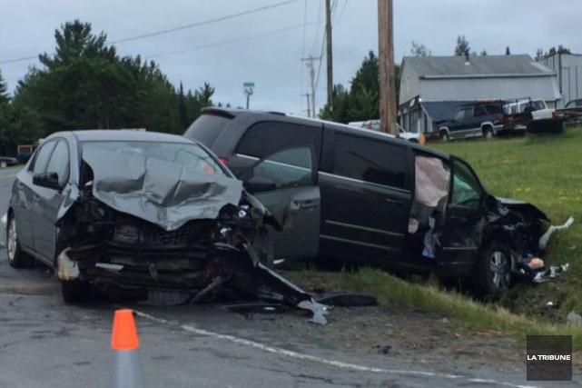 La collision survenue à Beaulac-Garthby, jeudi après-midi, a... (La Tribune, René-Charles Quirion)