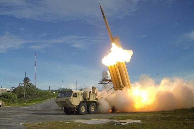 Le système THAAD tire des missiles conçus pour... (PHOTO REUTERS/DÉPARTEMENT AMÉRICAIN DE LA DÉFENSE)