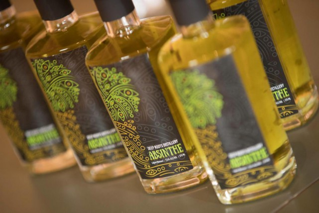 L'absinthe de la Deep Roots Distillery... (PHOTO IVANOH DEMERS, LA PRESSE)