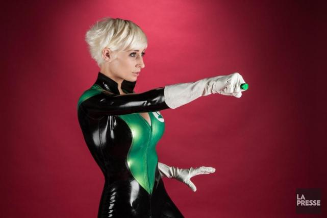 La cosplayer Marie-Claude Bourbonnais participera au huitième Comiccon... (Archives La Presse, Mathieu Waddell)