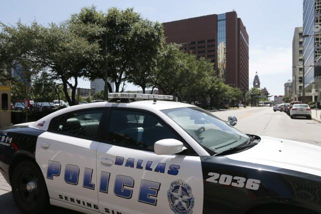 Le massacre de Dallas semble avoir été perpétré par «un seul tireur» sans lien... (Photo AP)