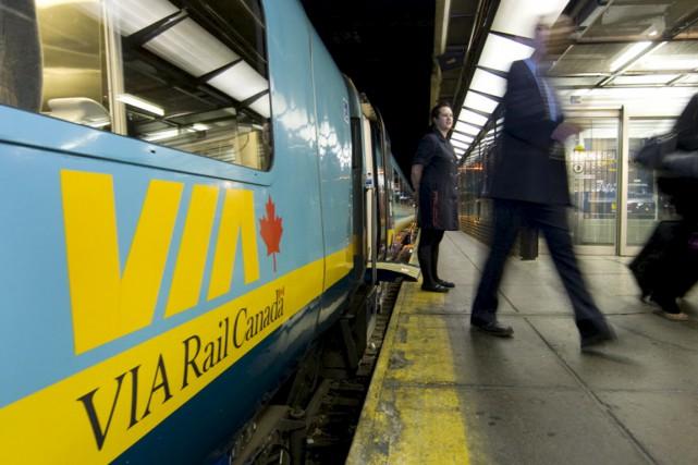 Le transport en commun est une nécessité pour... (Archives La Presse)