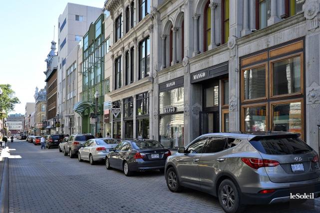Un comité de surveillance ratisse les rues de... (Photothèque Le Soleil)