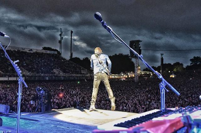 Sting en pleine action au Festival d'été! Il... (Tirée du site tonylevin.com)