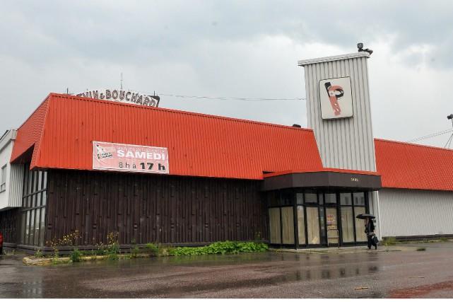 L'immeuble appartenait autrefois à BMR, un regroupement de... (Archives Le Progrès-Dimanche, Rocket Lavoie)