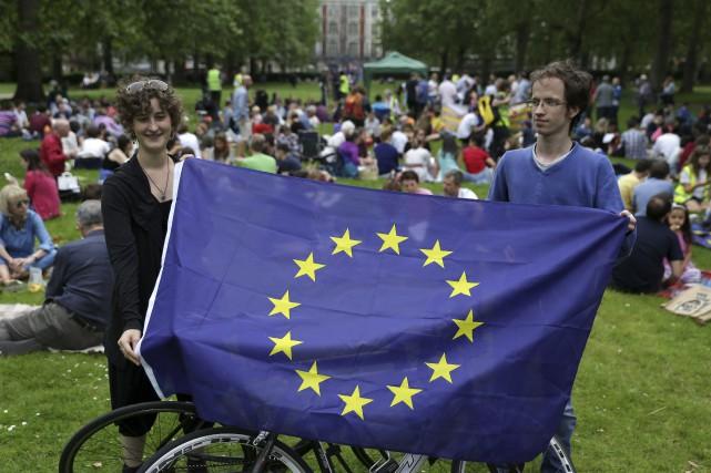 Des Anglais pro-Européens se réunissent pour un pique-nique... (Agence France-Presse)