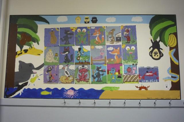 Des élèves ont personnalisé les babillards de l'école... (Photo courtoisie)