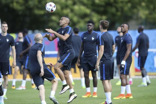 Les Bleus à l'entraînement, samedi, avant la finale... (AP, Petr David Josek)