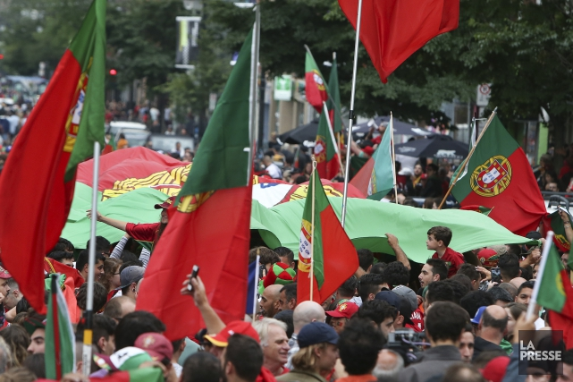 À la suite de la victoire du Portugal... (Photo Robert Skinner, La Presse)
