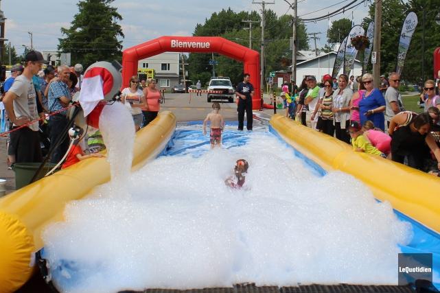Plus de 1000 personnes ont pris part aux activités du Festi-Vélo, dimanche, à... (Photo Le Quotidien, Katerine Belley-Murray)