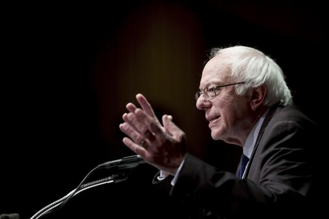 Vers la fin de la course, M. Sanders... (Archives AP, Mike Groll)