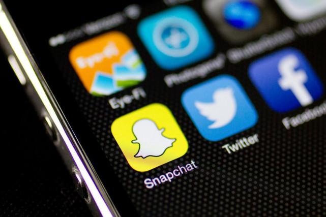 Snapchat est le réseau social le plus populaire... (PhotoAndrew Harrer, Archives Bloomberg)