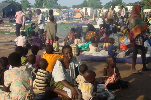 Au moins 36 000 personnes ont été déplacées... (Photo AFP)