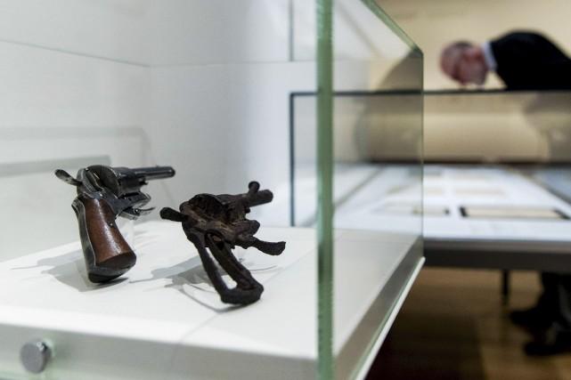 Le petit pistolet rouillé que l'on retrouve au... (AFP, Robin van Lonkhuijsen)