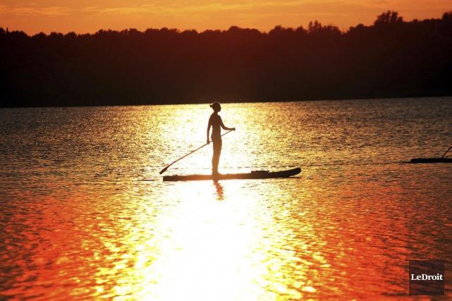 Environnement Canada signale que le mercure atteindra 33°C... (Etienne Ranger, LeDroit)
