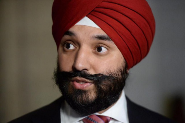 Le ministre fédéral de l'Innovation, Navdeep Bains.... (PHOTO ARCHIVES LA PRESSE CANADIENNE)