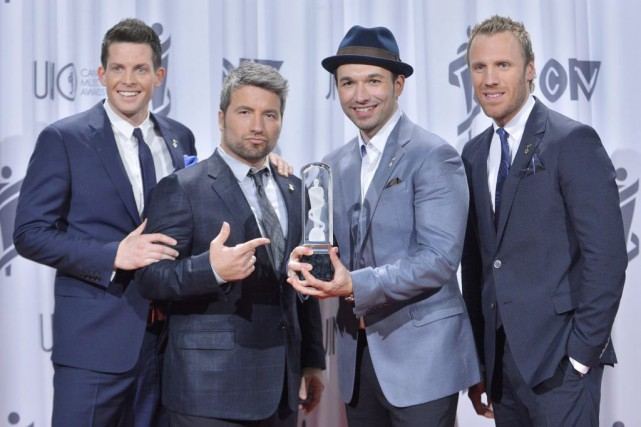 La performance du groupe The Tenors au match des... (Archives, La Presse Canadienne)