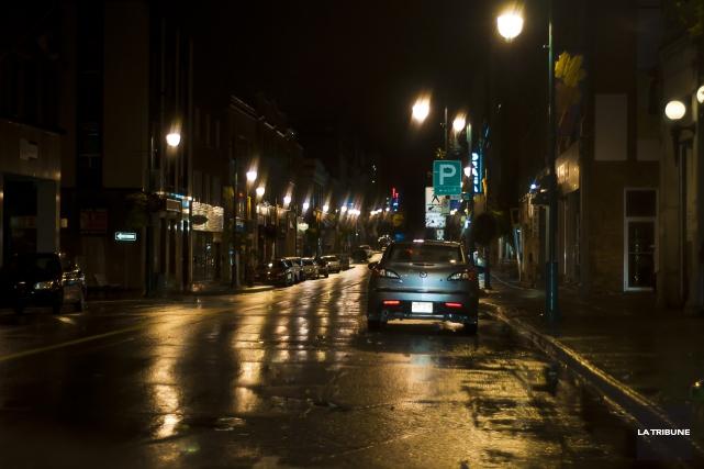 Un citoyen est intervenu dans la nuit de mardi à mercredi pour maîtriser un... (Archives La Tribune)