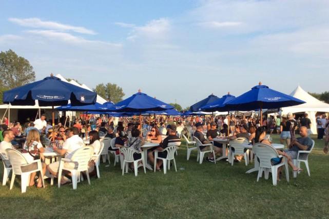 Même si la ville de Laval compte peu de microbrasseries, les amateurs de bière... (PHOTO FOURNIE PAR LE FESTIVAL DES BIÈRES DE LAVAL)