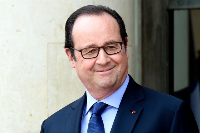 Le coiffeur de François Hollande touche près de...