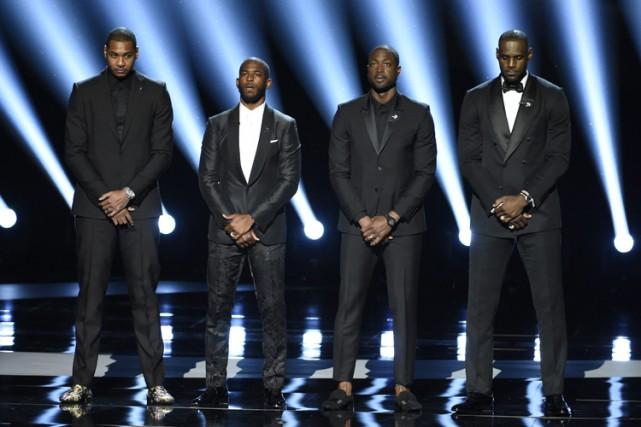De gauche à droite : Carmelo Anthony, Chris... (PHOTO AP)