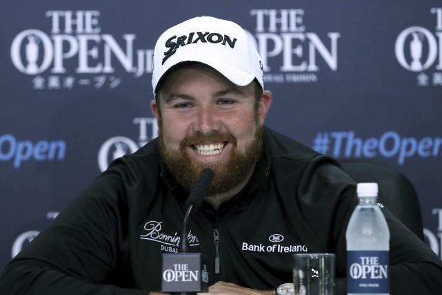 Shane Lowry était tout sourire mercredi lors d'une... (AP, Peter Byrne)