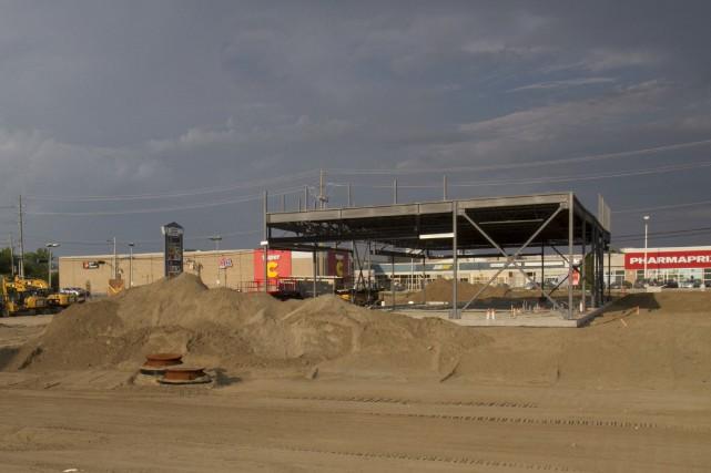 Ce nouveau bâtiment en construction au coin des... (Spectre média, René Marquis)