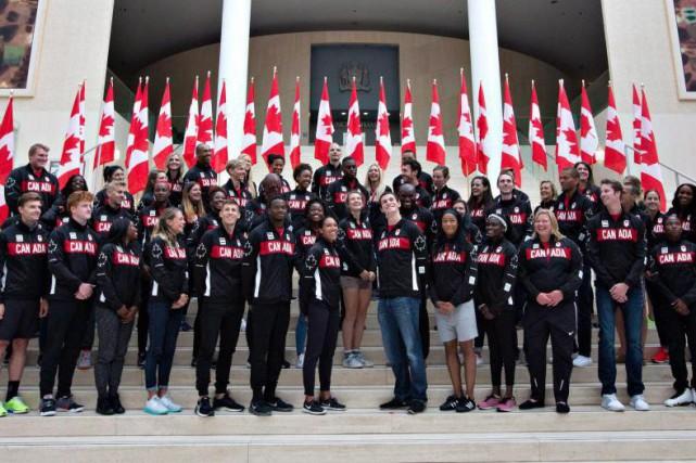 Ils seront 315 athlètes à représenter le Canada... (PHOTO LA PRESSE CANADIENNE)
