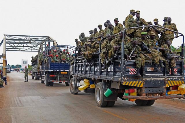 C'est à Nimule qu'une cinquantaine de camions ougandais,... (PHOTO ISAAC KASAMANI, AFP)
