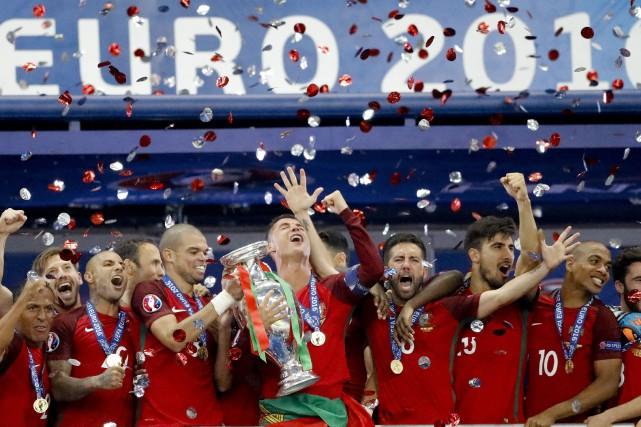 Le Portugal a remporté l'Euro 2016 dimanche.... (Photo Frank Augstein, AP)