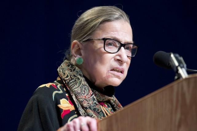 La doyenne de la Cour suprême américaine Ruth... (photo Michael Dwyer, archives AP)