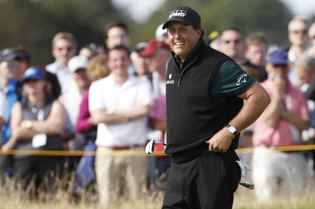 Phil Mickelson a joué une excellente première ronde... (Photo Craig Brough, REUTERS)