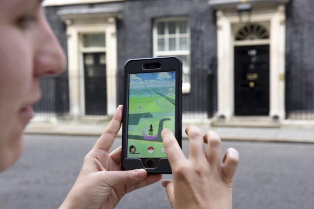 La folie de Pokémon GOdope le titre de... (AFP, Oli Scarff)