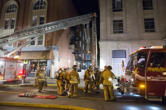 Un incendie qui a pris naissance dans un... (Spectre Média, Julien Chamberland)