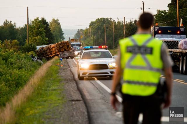 Une collision entre un camion et une motocyclette... (Photo Spectre Média, Jessica Garneau)