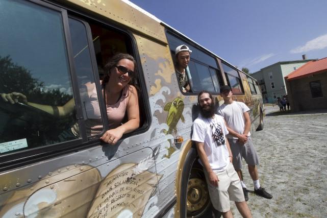 L'autobus Macadam J de la Coalition sherbrookoise pour... (Spectre média, René Marquis)