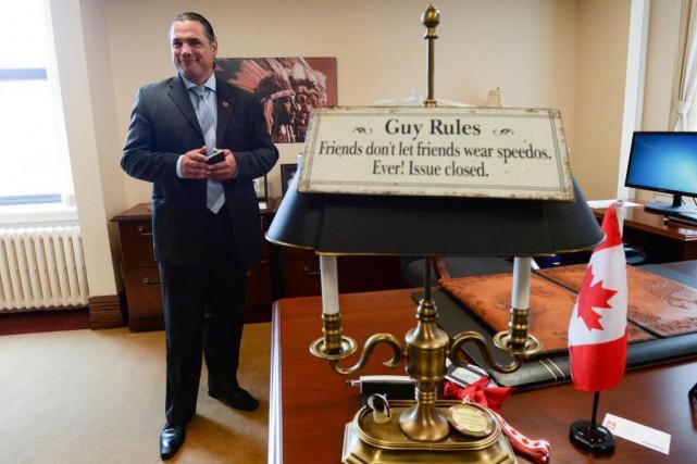 Patrick Brazeau est retourné au Sénat hier après... (PHOTO SEAN KILPATRICK, LA PRESSE CANADIENNE)
