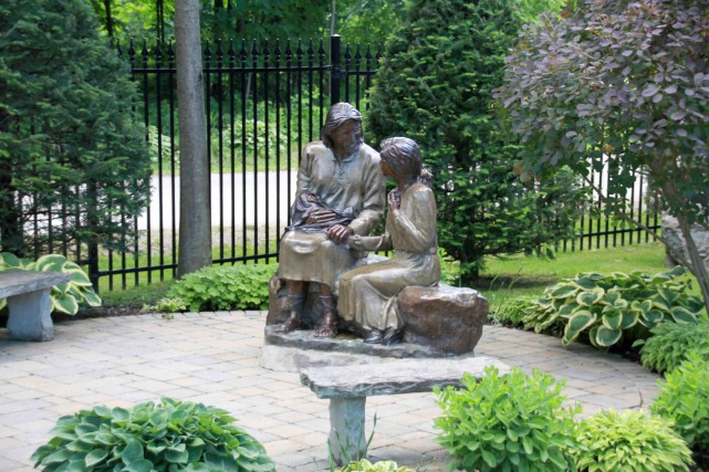 C'est cette sculpture, intitulée Hope, qui a inspiré... (Photo www.jardinierparesseux.com)
