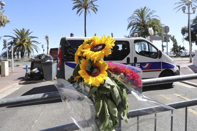Le lendemain de l'attaque, Valery Hache, photographe à... (AFP)
