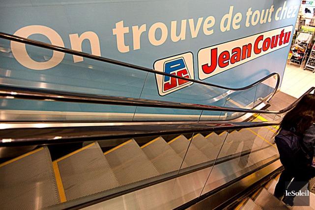 L'association des franchisés espère récupérer un montant totalisant... (Photothèque Le Soleil)