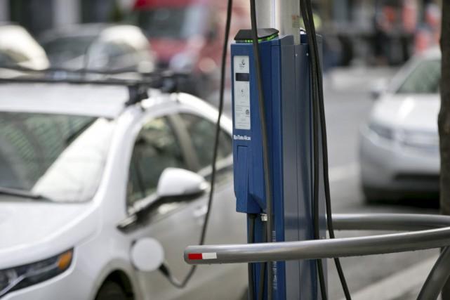 Les conducteurs de véhicule électrique bénéficieront de nouveaux endroits pour... (Archives La Presse)