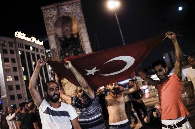 Le peuple turc a des sentiments mitigés par... (AFP, Halit Onur Sandal)