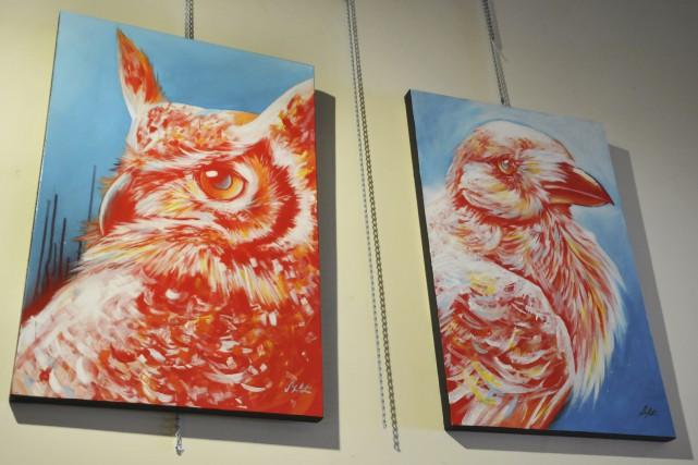 Dans soniblA xuaminA, la peintre présente des animaux... (Photo Le Progrès-Dimanche, Rocket Lavoie)