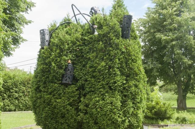 L'Arbre, une structure d'une quinzaine de pieds de... (Photo Le Progrès-Dimanche, Michel Tremblay)