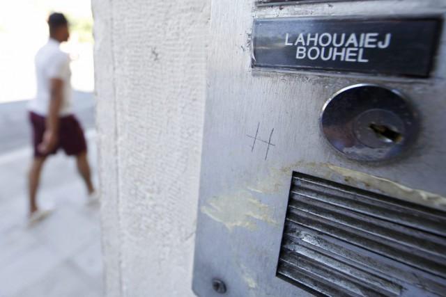 Le nom de Mohamed Lahoualej Bouhlel sur une... (PHOTO ERIC GAILLARD, REUTERS)