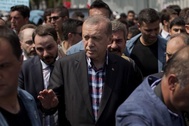 Le chef de l'État islamo-conservateur Recep Tayyip Erdogan... (PHOTO AP)
